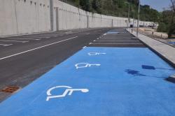 Удобни паркоместа за хора със специални двигателни потребности
